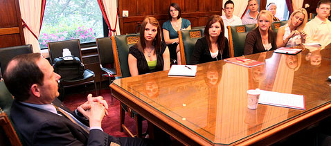 Maryville Students Visit with St. Louis Mayor Francis Slay